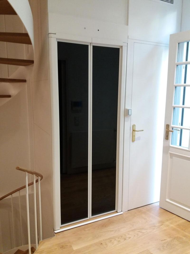 Un ascenseur handicapé dans une maison individuelle