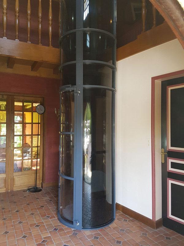 Un ascenseur de luxe dans une maison