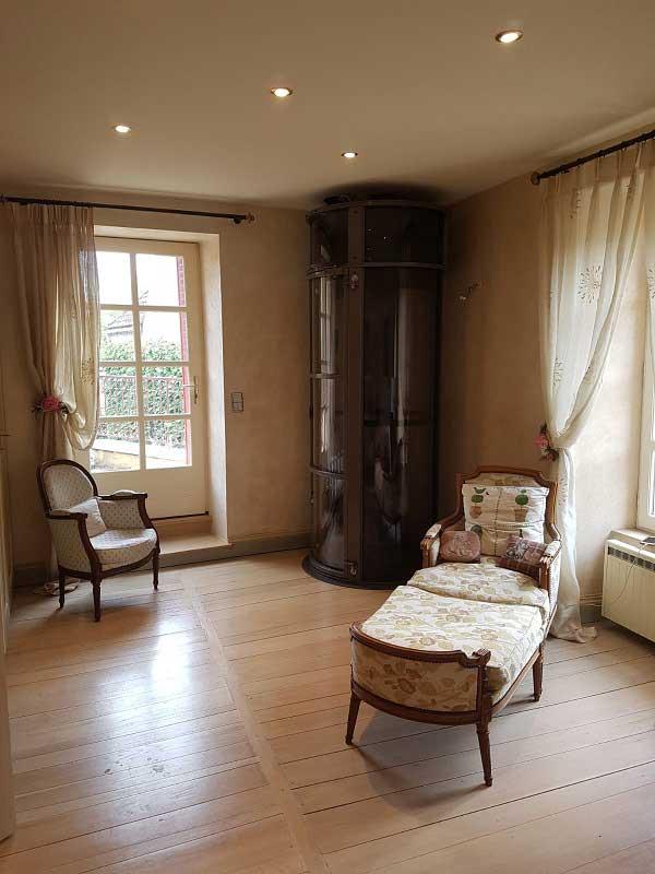 Un ascenseur de luxe Aritco HomeLift dans un appartement