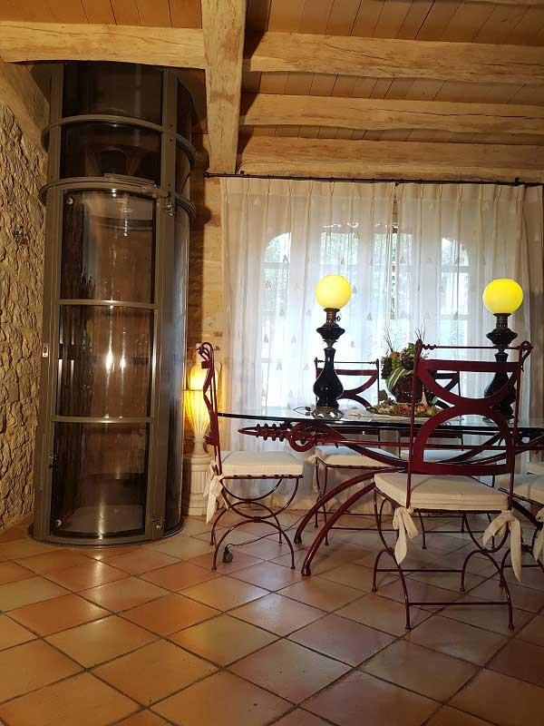 Un ascenseur dans une maison particulière