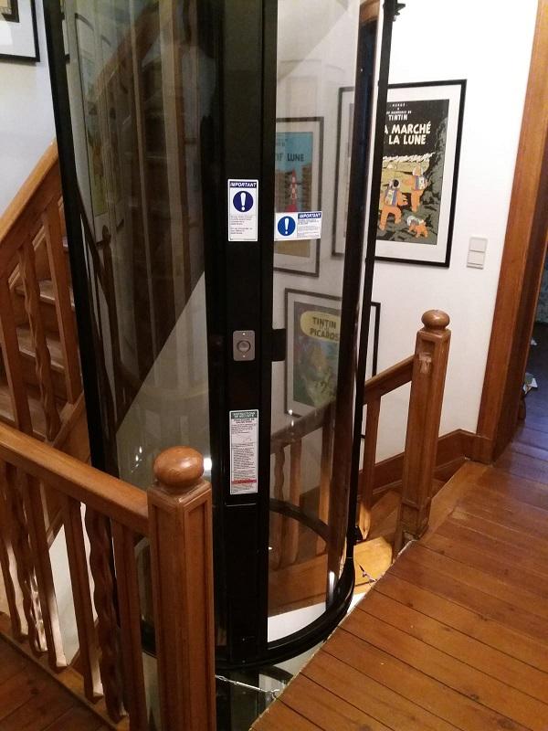 Ascenseur pour fauteuil roulant